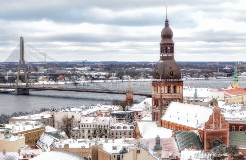 Riga, Lettonia - 5 gennaio 2019: Vista dalla cattedrale di St Peter a Riga Vista panoramica della citt? immagine stock