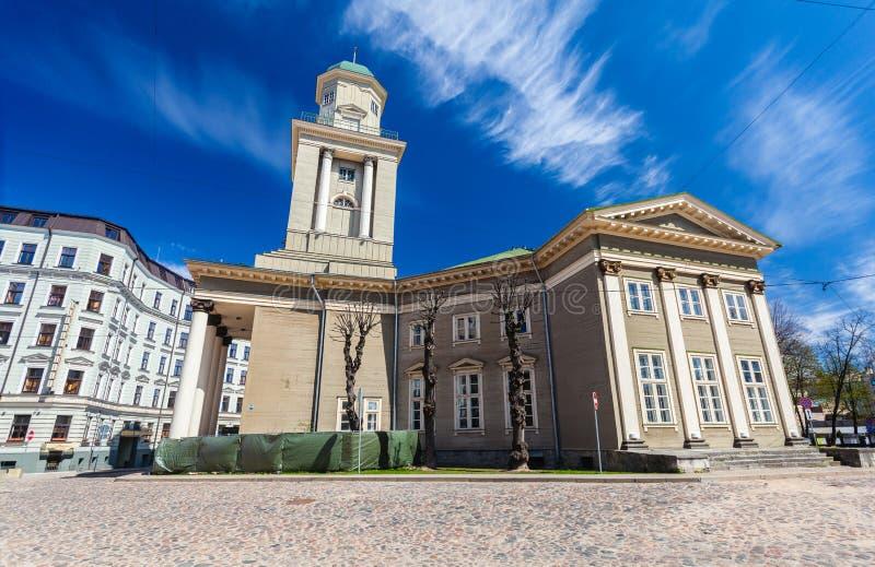 RIGA, LETTONIA - 6 MAGGIO 2017: Vista sul cuore di Riga di Jesus Evangelic Lutheran Church che è individuato nella città fotografia stock libera da diritti