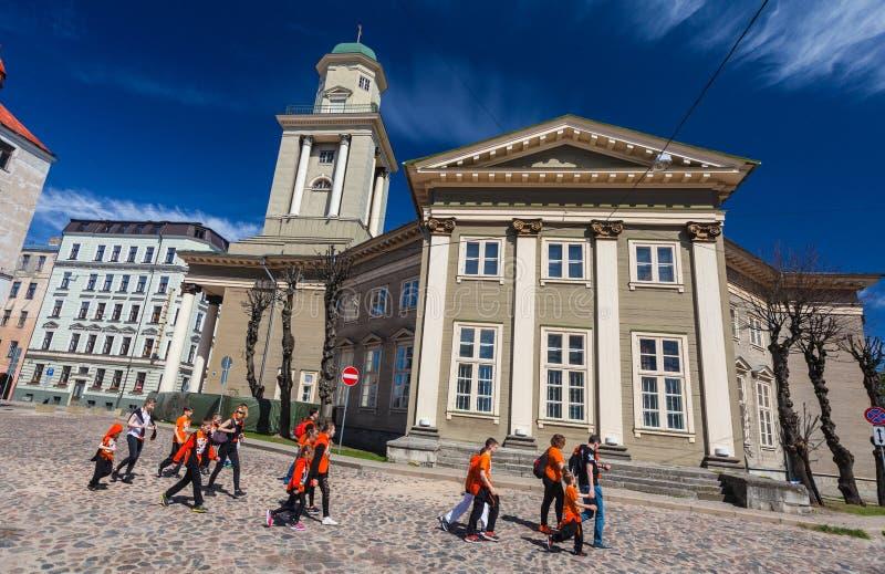 RIGA, LETTONIA - 6 MAGGIO 2017: Vista sul cuore di Riga di Jesus Evangelic Lutheran Church che è individuato nella città immagini stock