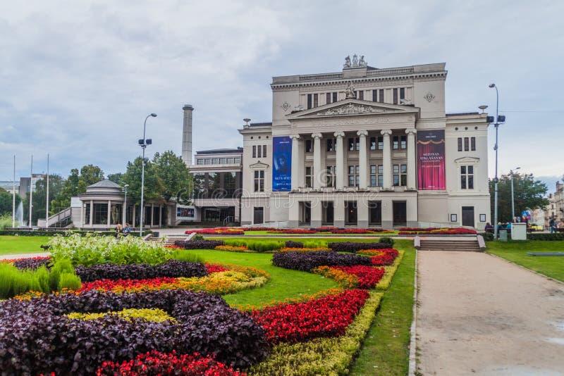 RIGA, LETTONIE - 18 AOÛT 2016 : Opéra national letton dans l'installation photographie stock libre de droits