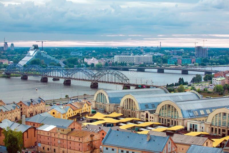 Riga, Lettonie, paysage urbain d'Académie des Sciences images libres de droits