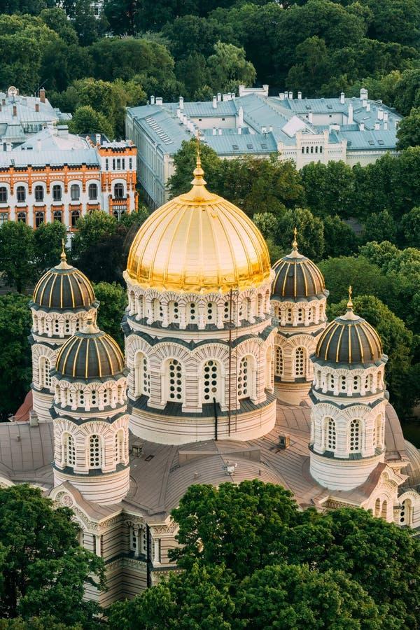 Riga, Lettonie Paysage urbain de Riga Vue supérieure de nativité de Riga de cathédrale du Christ - église célèbre photos stock