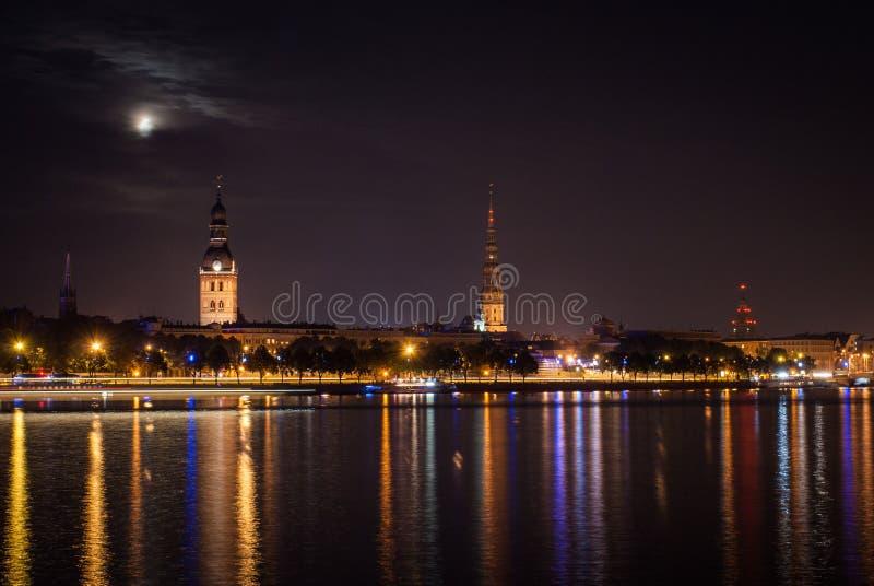 Riga Velho Na Noite. Imagens de Stock