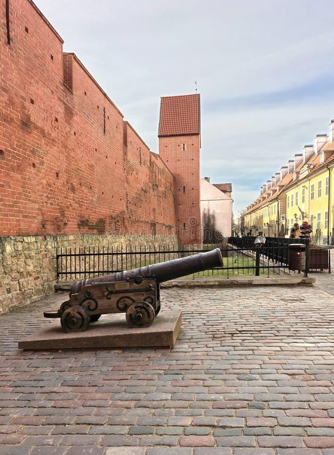 riga Vieille ville avec un mur enrichi photos libres de droits