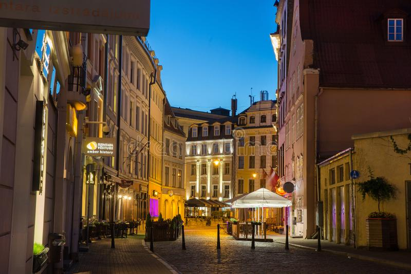 Riga vieja, Letonia junio imagenes de archivo
