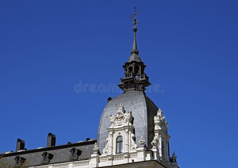 Riga, Vilandes 1, casa con la torretta con gli elementi di Art Nouveau e eclettismo fotografia stock