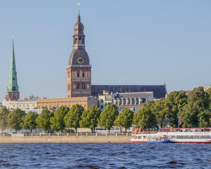 riga Widok kopuły katedra od Daugava rzeki fotografia stock