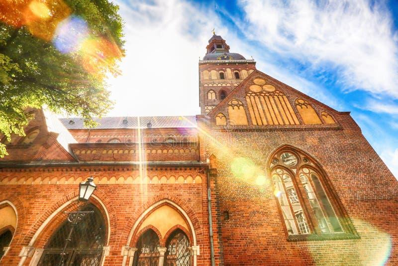 Download Rigas-Kathedrale stockbild. Bild von lettland, grenzsteine - 96925285