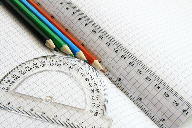Righelli e matita di colore fotografie stock libere da diritti