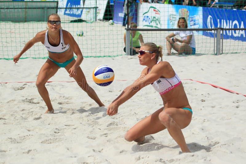 Riikka Lehtonen - волейбол пляжа стоковая фотография