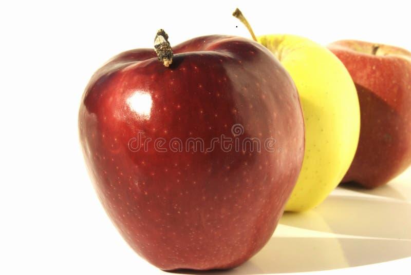 Rij van appelen stock foto