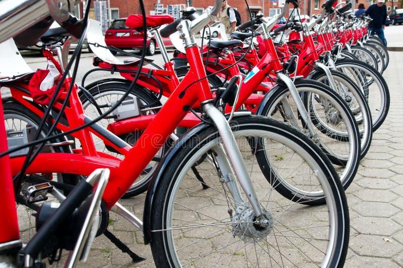 Rij van de fietsen royalty-vrije stock afbeeldingen