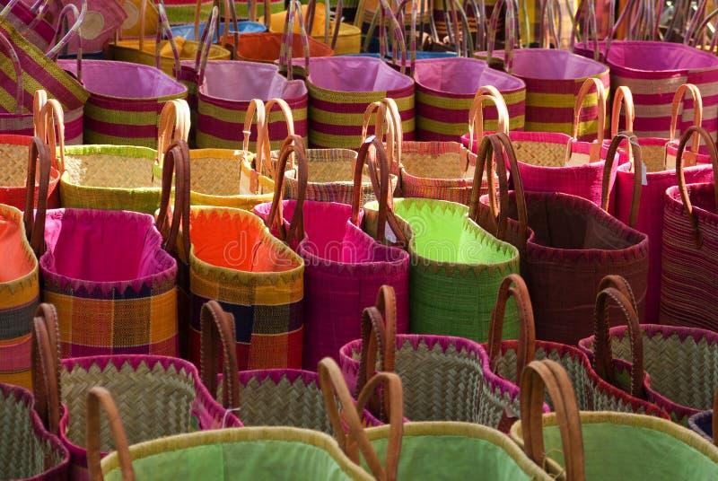 Rij-van-markt-zakken stock foto's