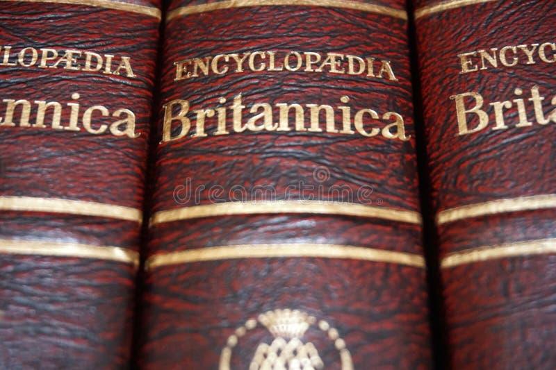 Rijeka, Chorwacja, Wrzesień 25, 2018 Odgórny widok tomowa encyklopedia Britannica z tytułem obrazy royalty free