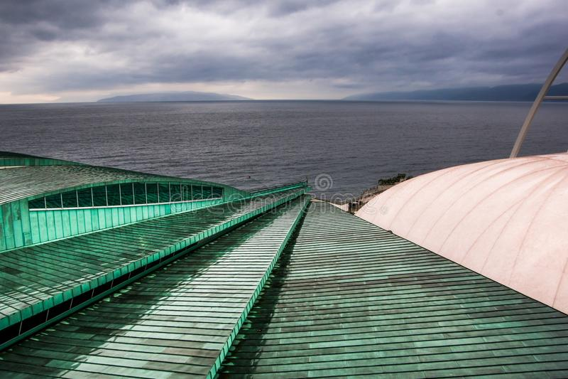 Rijeka Kroatien - 11 03 2018 detaljer av simbassängen i royaltyfria foton
