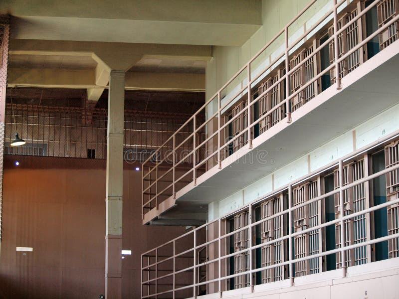 Rijen van de cellen van de Gevangenis binnen Gevangenis Alcatraz royalty-vrije stock fotografie