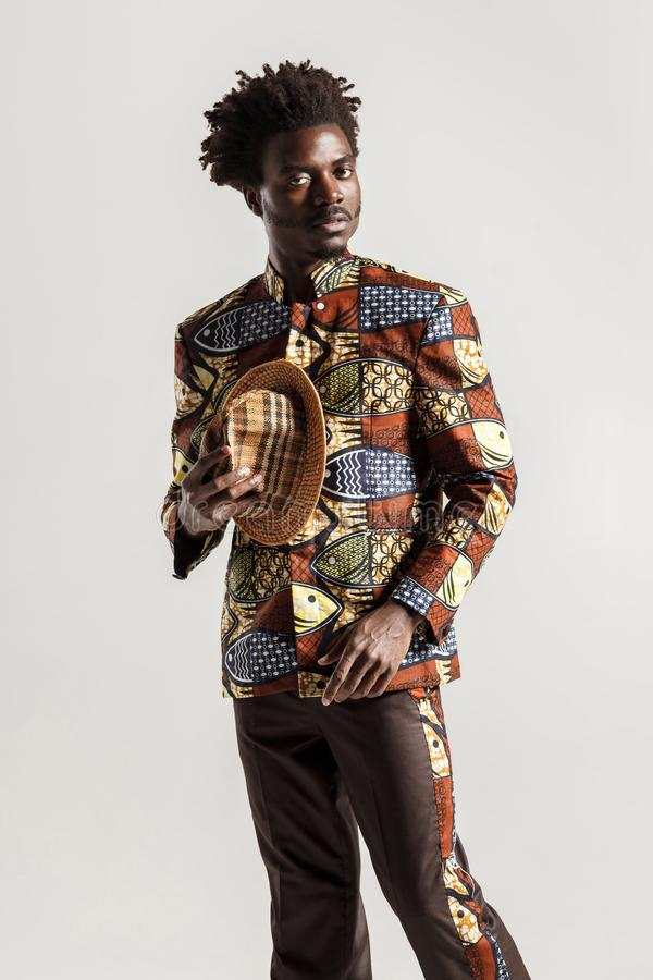 Rijk en luxe Afrikaanse mens in traditionele kleren royalty-vrije stock afbeeldingen