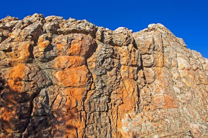 Rijk gekleurde rotsen in Cederberg-Bergen stock afbeelding
