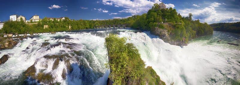 Watervallen Van Schaffhausen Zwitserland.Rijn Valt De Grootste Duidelijke Waterval In Europa
