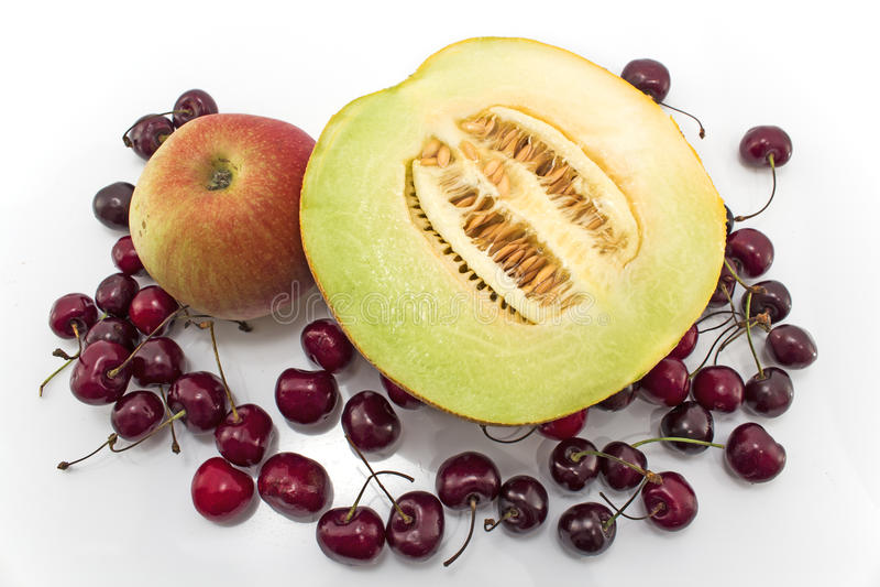 Rijp die fruit op wit wordt geïsoleerd royalty-vrije stock fotografie