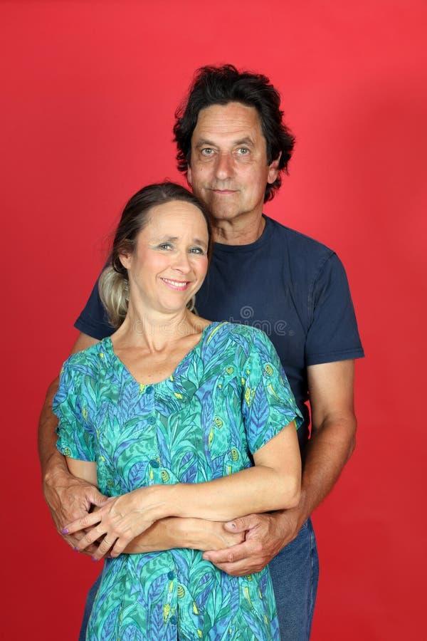 Rijp echtpaar in liefde stock foto's
