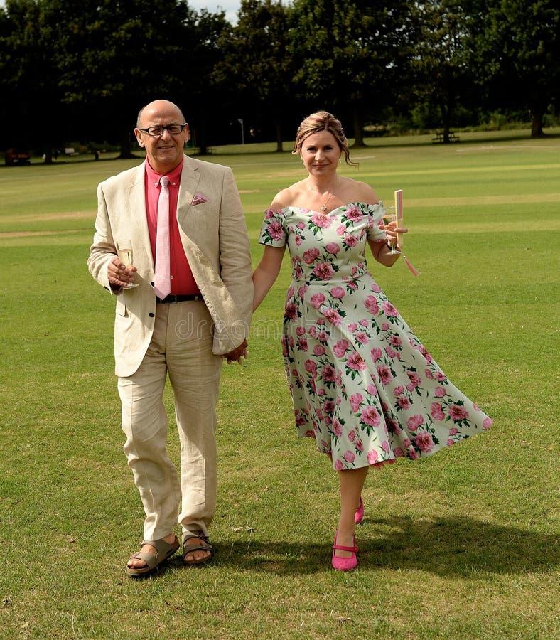 Rijp paar bij huwelijksceremonie royalty-vrije stock fotografie