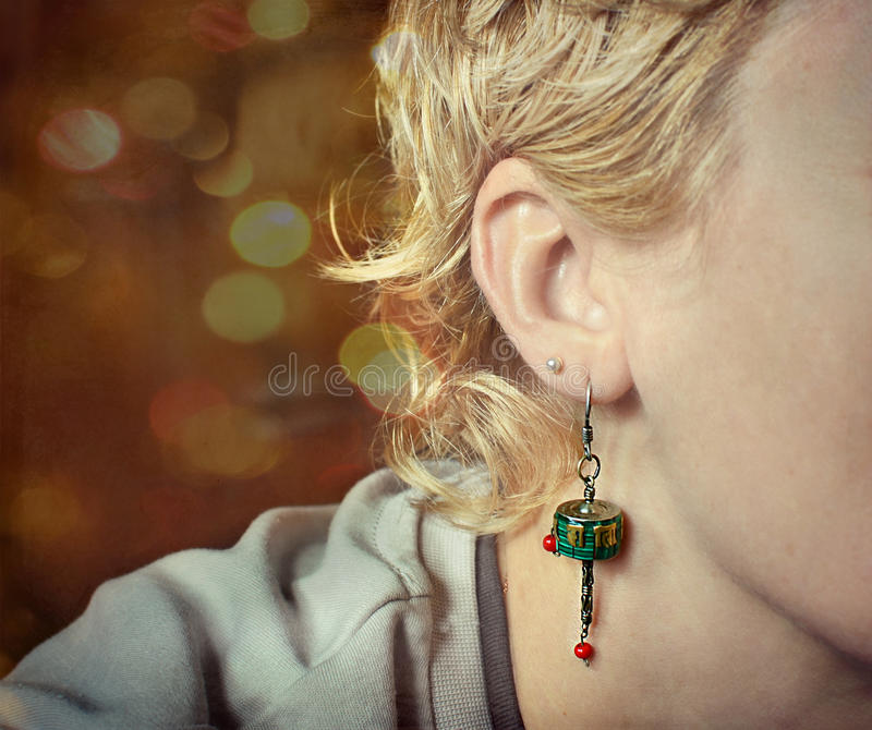 Rijp volwassen vrouwen` s helft-gezicht stock foto