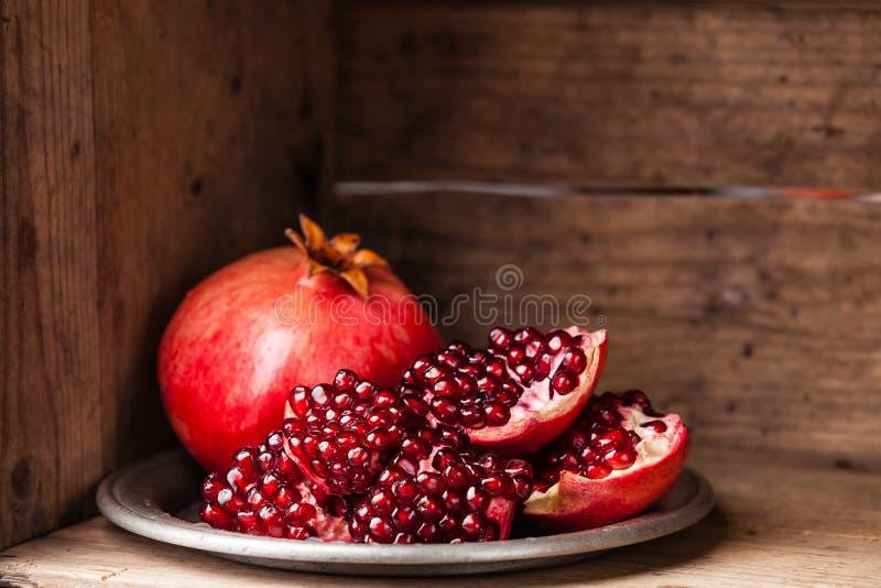 Rijpe granaatappel stock foto's