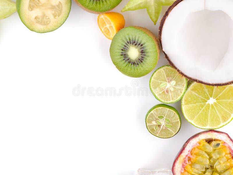 Rijpe Sappige Tropische de Zomer Seizoengebonden Vruchten Kumquat van Carambola van de Litchicitrusvrucht Passievrucht Feijoa De  stock foto's