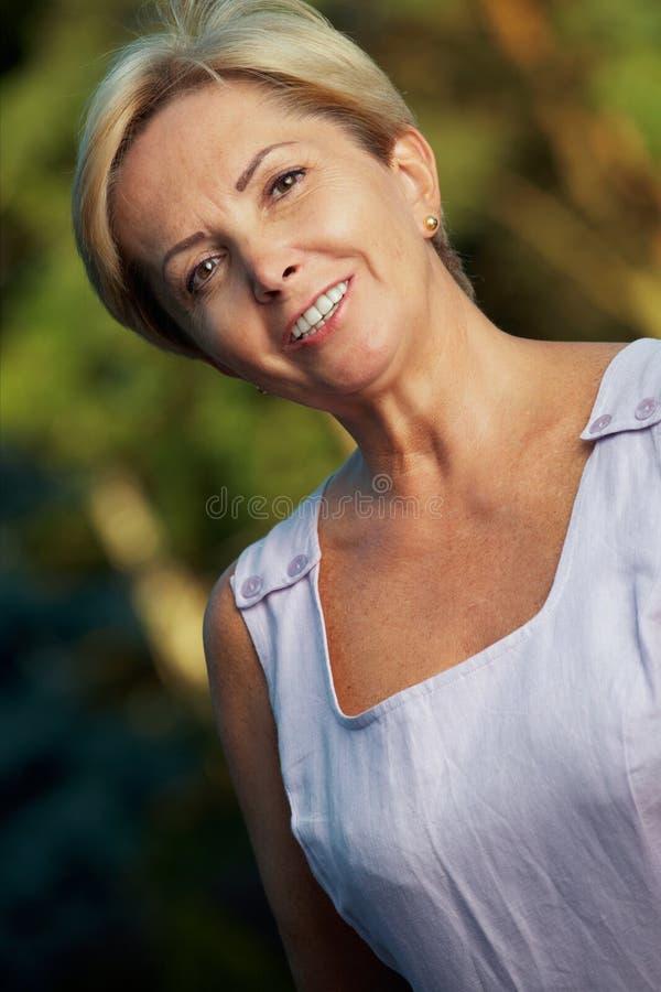 Rijpe vrouw royalty-vrije stock fotografie