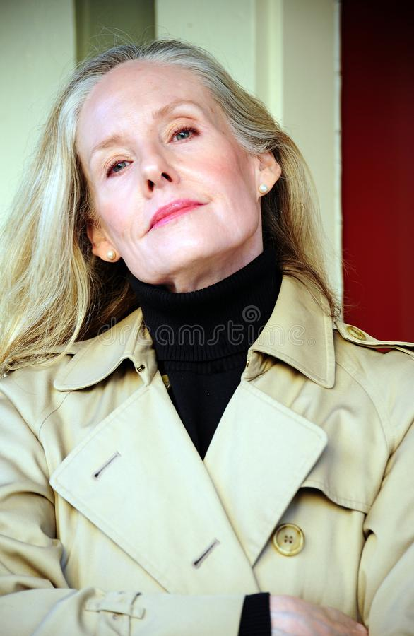 Rijpe vrouwelijke schoonheidsuitdrukkingen royalty-vrije stock afbeelding