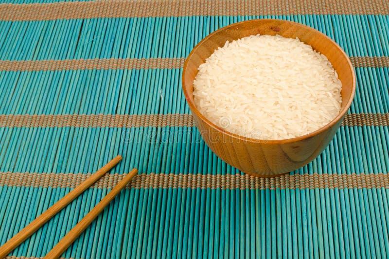 Download Rijst en eetstokjes stock afbeelding. Afbeelding bestaande uit japans - 39114477