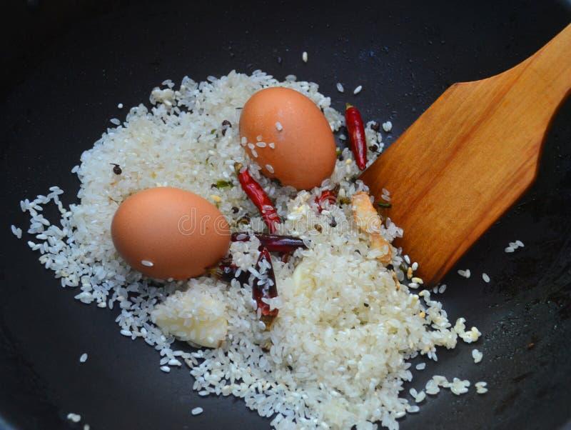 Rijst en eierenvoedsel stock afbeelding