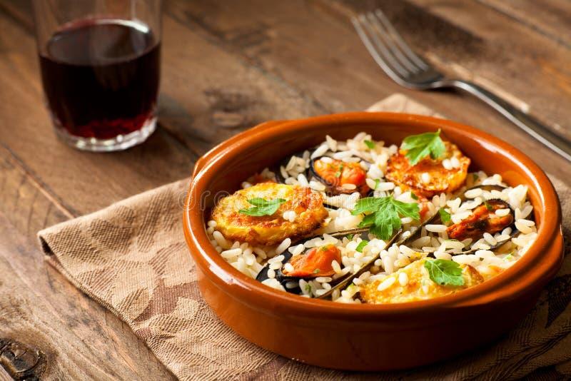 Rijst met Aardappels en Mosselen royalty-vrije stock afbeeldingen