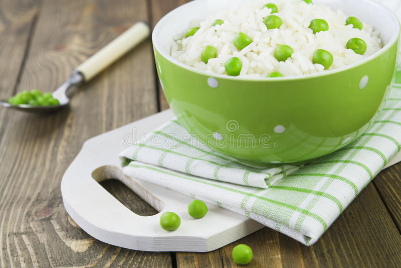 Rijst met groene erwten royalty-vrije stock foto