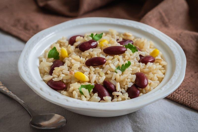 Rijst met rode bonen in kom royalty-vrije stock foto's