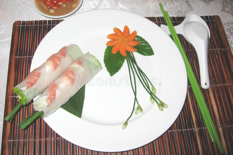 Rijstbroodjes in Vietnamees Restaurant stock afbeelding