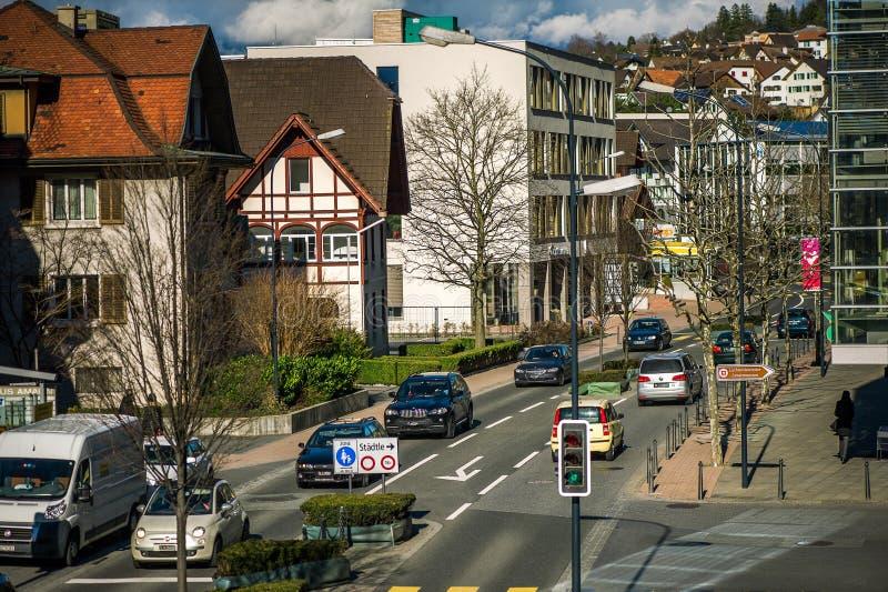 Rijweg in Vaduz, prinsdom Liechtenstein royalty-vrije stock foto's