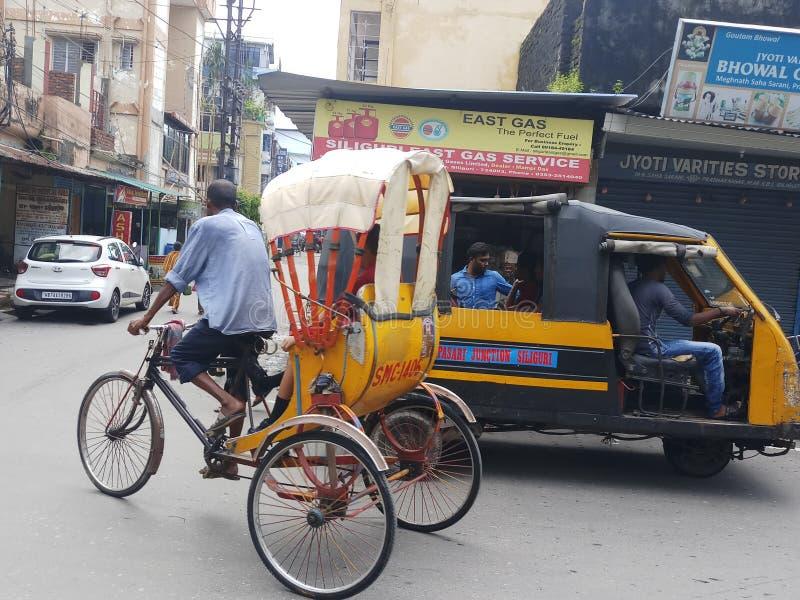 Rikschagebrauch für Transport von Leuten lizenzfreie stockfotografie
