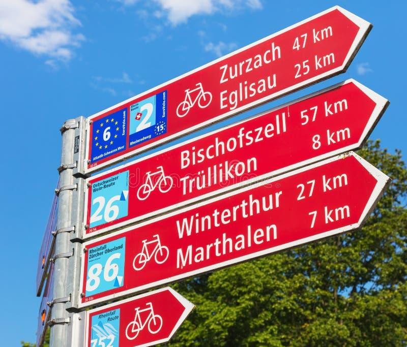 Riktnings underteckna in Laufen-Uhwiesen, Schweiz arkivfoto