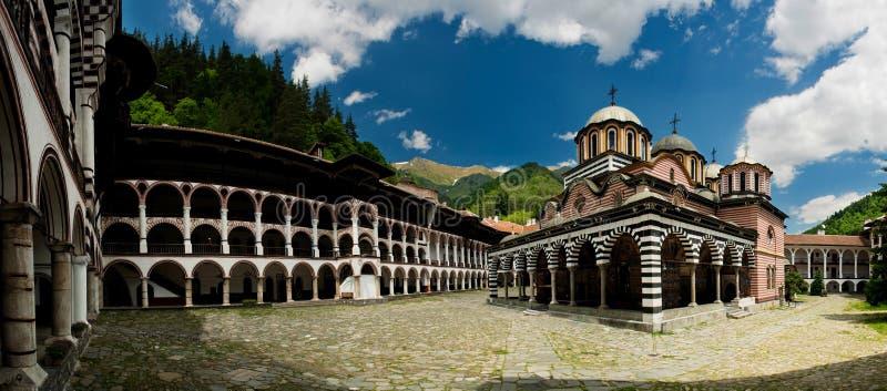 Download Rila Kloster - Bulgarien stockbild. Bild von mönch, wolken - 12202689
