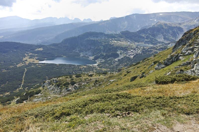 Θερινό τοπίο Rila Mountan κοντά στις επτά λίμνες Rila στοκ εικόνα