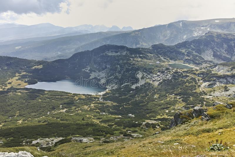 Θερινό τοπίο Rila Mountan κοντά στις επτά λίμνες Rila στοκ φωτογραφία