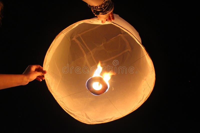 Rilascio della lanterna immagine stock