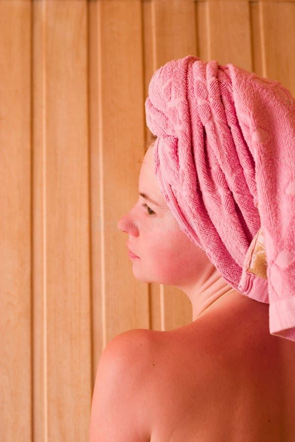 Rilassamento nella sauna fotografia stock libera da diritti
