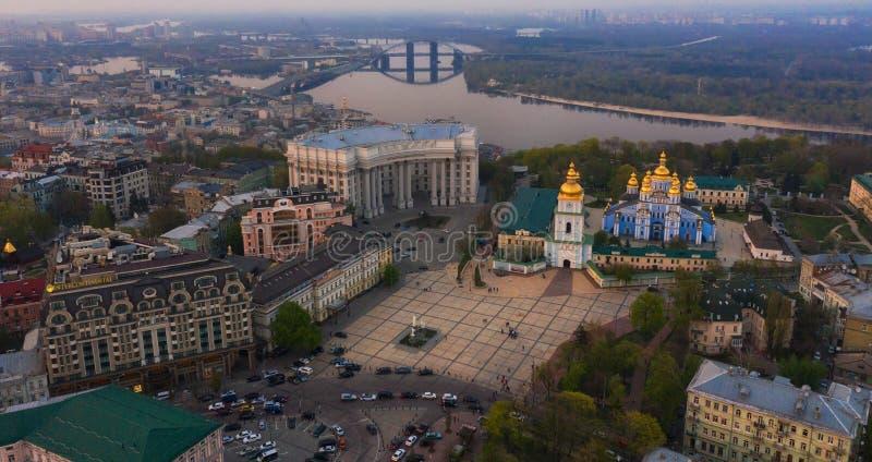 Rilevamento aereo della cattedrale di Mikhailovsky a Kiev immagini stock libere da diritti