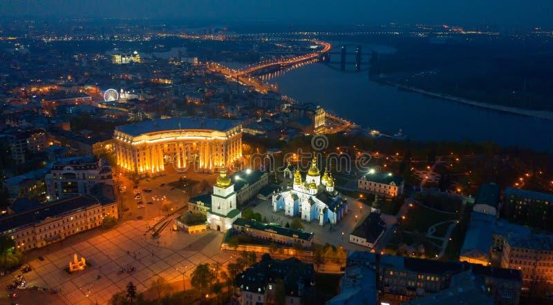 Rilevamento aereo della cattedrale di Mikhailovsky a Kiev immagini stock