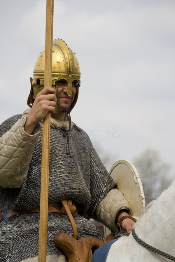 Rimessa in vigore storica dei soldati della fanteria e di Roman Cavalry a Northumberland, maggio 2012 fotografia stock