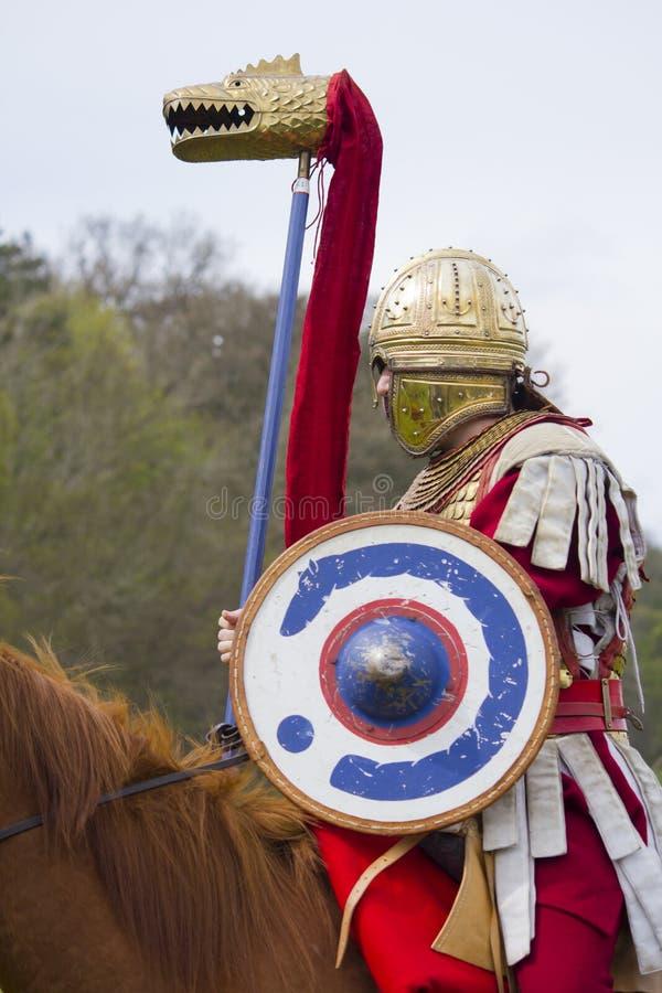 Rimessa in vigore storica dei soldati della fanteria e di Roman Cavalry a Northumberland, maggio 2012 immagine stock libera da diritti
