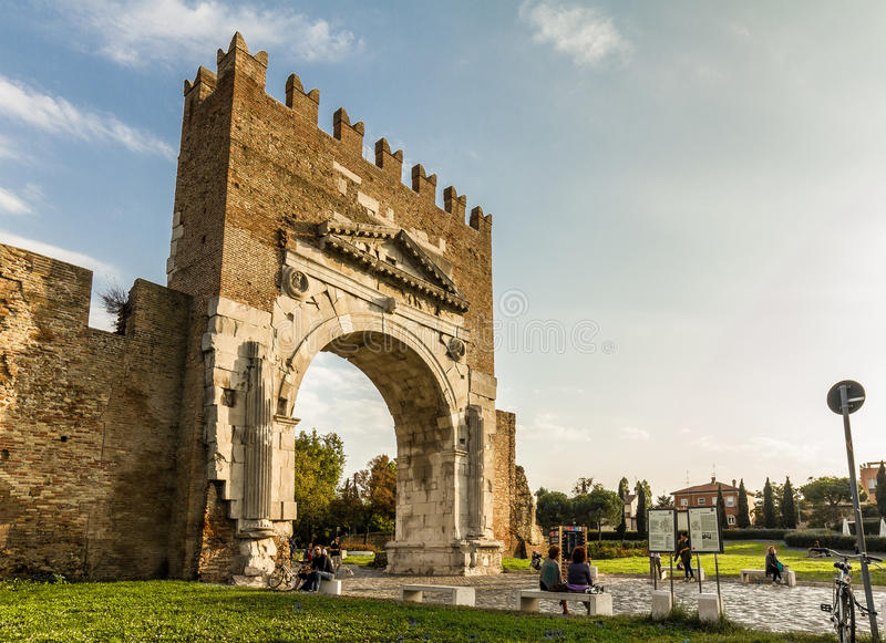 Rimini, Itália Arco antigo D'Augusto (arco de Augustus) foto de stock royalty free